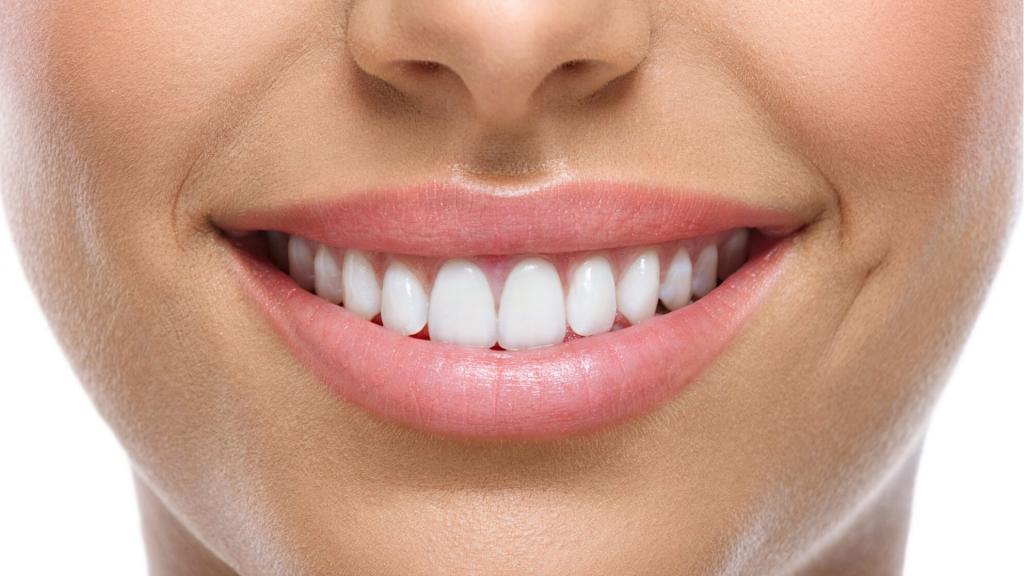 Få et finere smil med våre behandlinger for tannkjøtt og lepper.